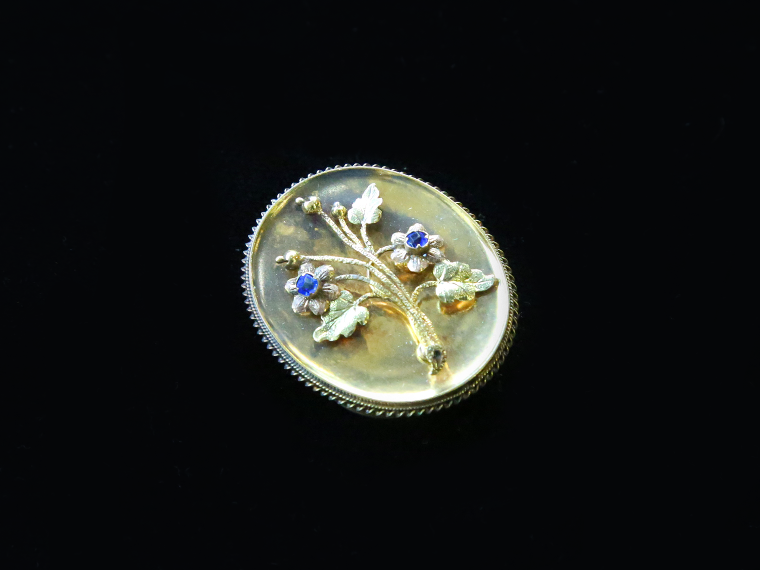Antique 15ct Gold Flower Brooch