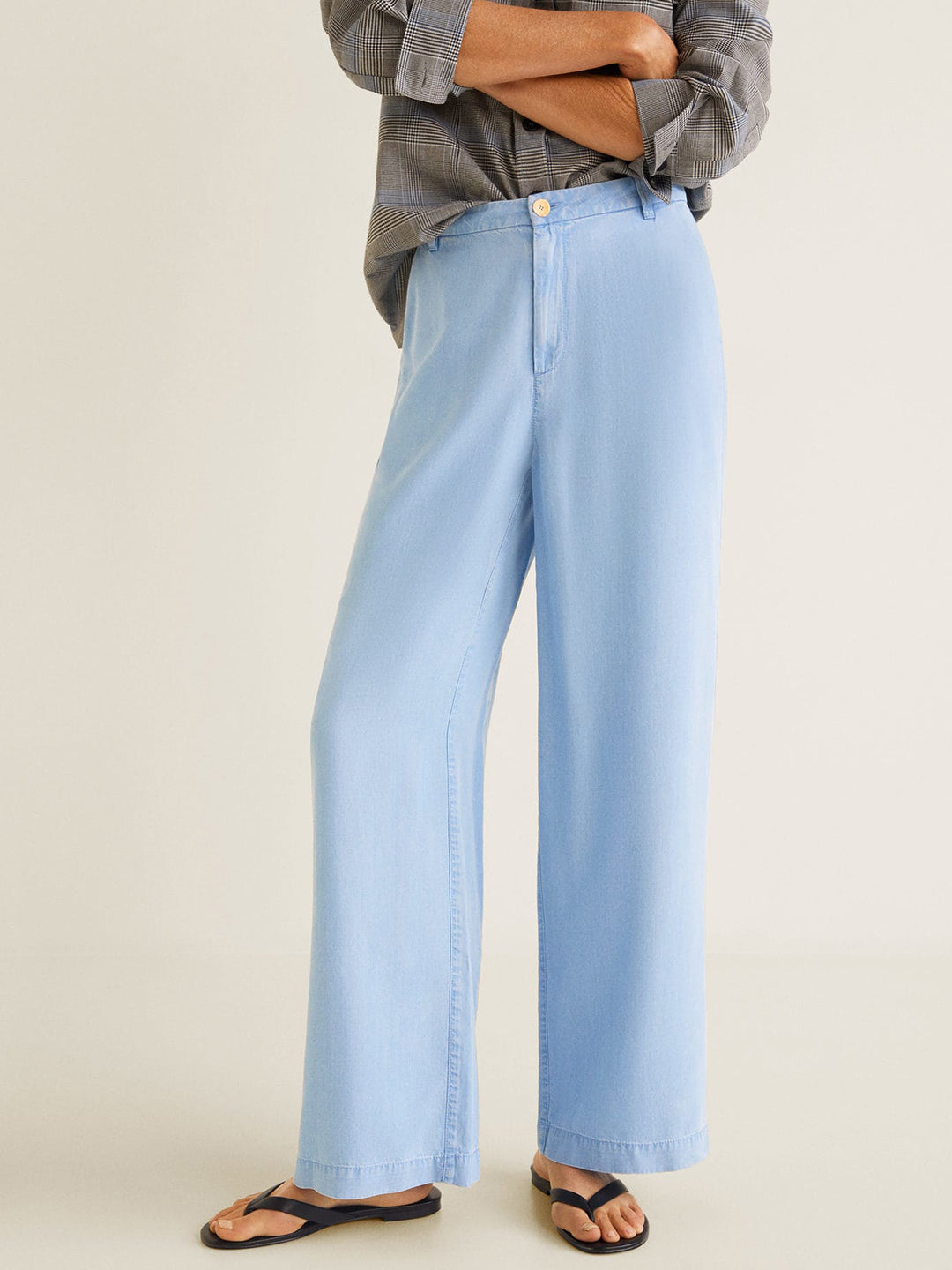 Women Blue Regular Fit Solid Chambray Parallel Trousers