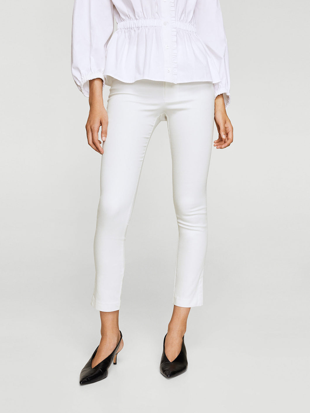 Women White Solid Regular Fit Trousers