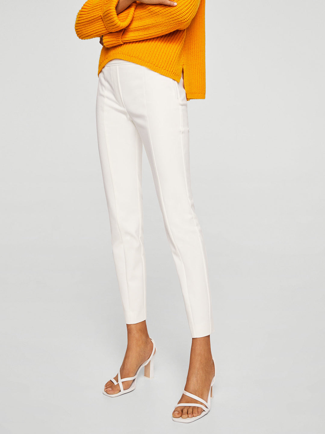 Women White Regular Fit Solid Regular Trousers