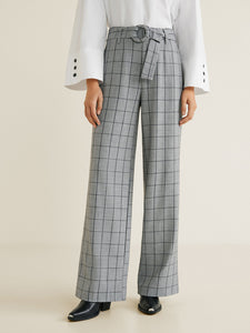 Women Grey & Black Regular Fit Checked Parallel Trousers