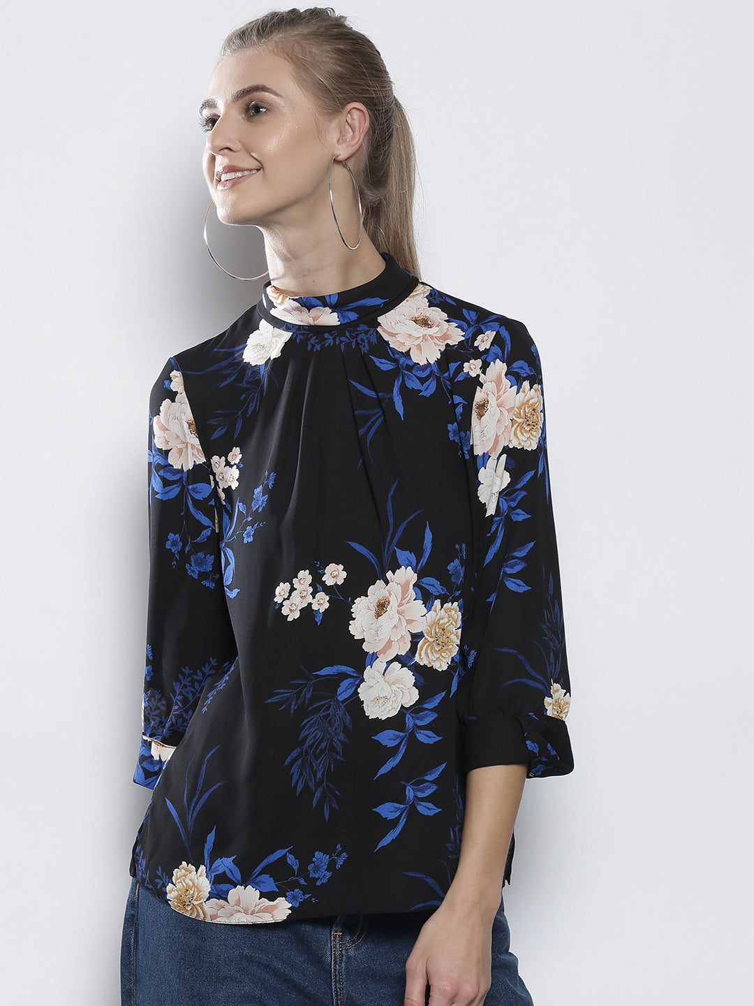 Women Black & Blue Printed Top