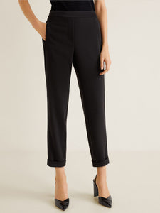 Women Black Regular Fit Solid Cropped Trousers