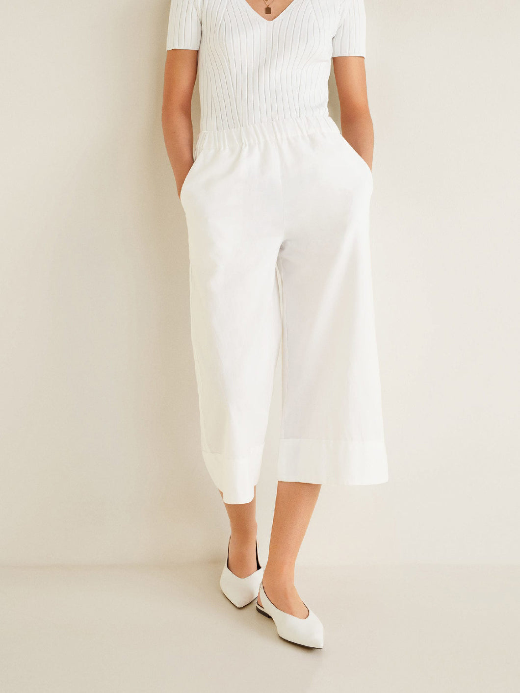 Women White Regular Fit Solid Culottes