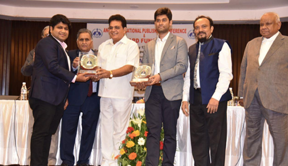 The Founder and CEO of Blueprint Education Mr. Nitin Rastogi receiving 'Distinguished Young Publisher' award in 2018