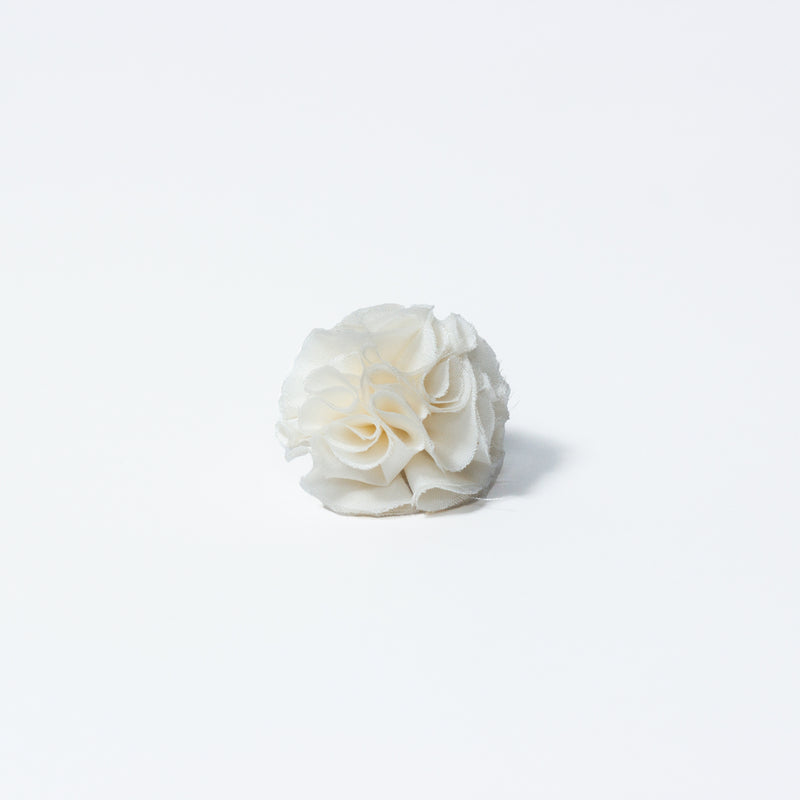 SILK OFF WHITE FLOWER