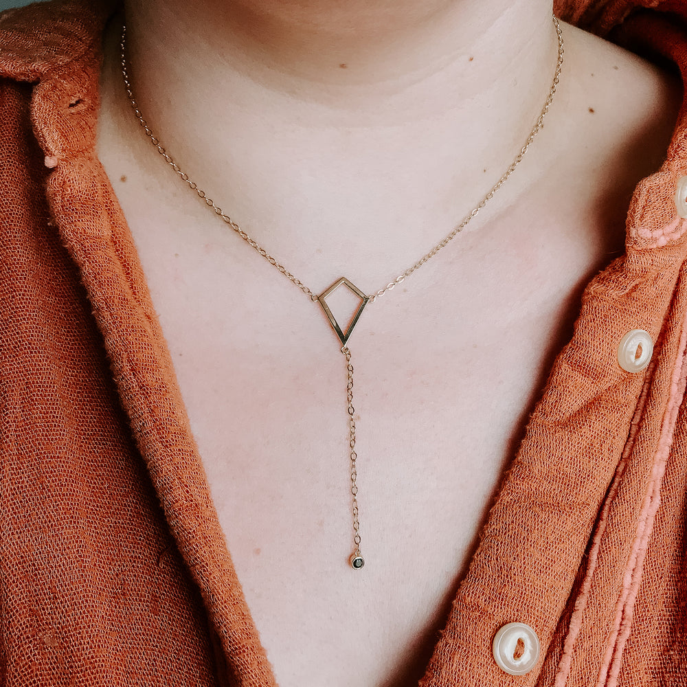 The Kite Lariat (Yellow Gold + Blue Sapphire)