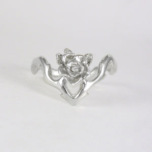 V Flowing Rose Ring