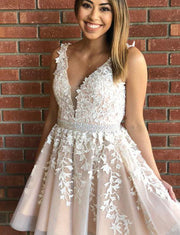 Elegant A Line V Neck Sleeveless Champagne Short Homecoming Dress With Appliques
