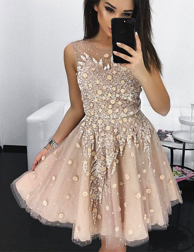 Stylish A Line Jewel Sleeveless Champagne Short Homecoming Dress with Appliques