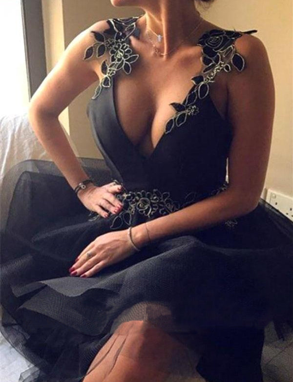 Sexy A Line Straps Backless Short Black Tulle Homecoming Dress with Appliques
