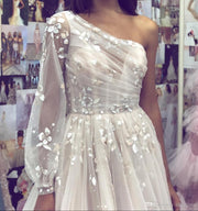 White Long Prom Dress with Sleeves Appliques Formal Gowns One Shoulder