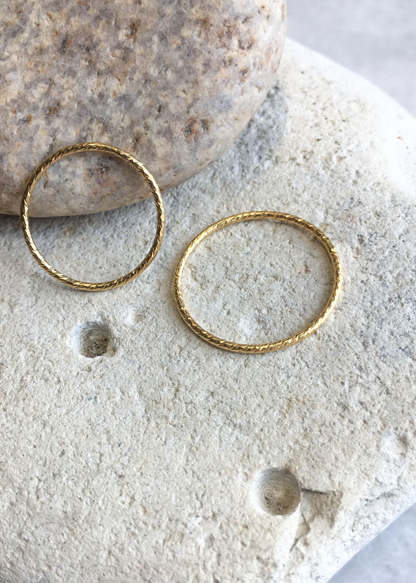 Gold Filled Sparkle Twist Ring - AMĒNAH