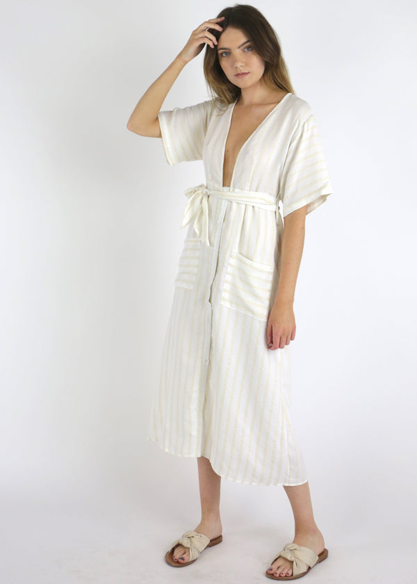 beach dress, striped dress, beach cover up, beach coverup, maxi dress, beach maxi dress, maxi beach dress, robe style dress, robe dress, dresses with pockets, summer dress, spring dress, comfy dress, comfortable dress, spring 2019 dress, summer 2019 dress, summer 2019 trends, spring 2019 trends