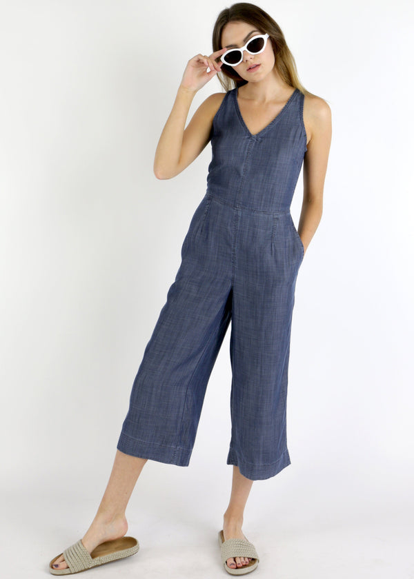 denim jumpsuit, jumpsuit, culotte jumpsuit, wide leg pant jumpsuit, wide leg pants, spring denim trends, denim inspo, retro jumpsuit
