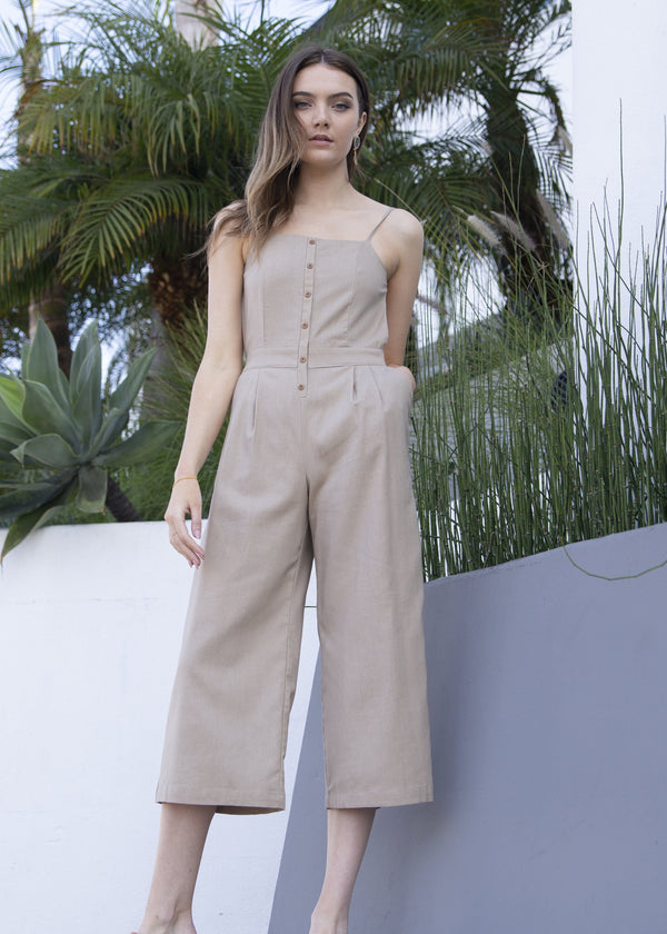 jumpsuit, backless jumpsuit, tan jumpsuit, spring jumpsuit, summer jumpsuit, street style, beach style, vacation fashion