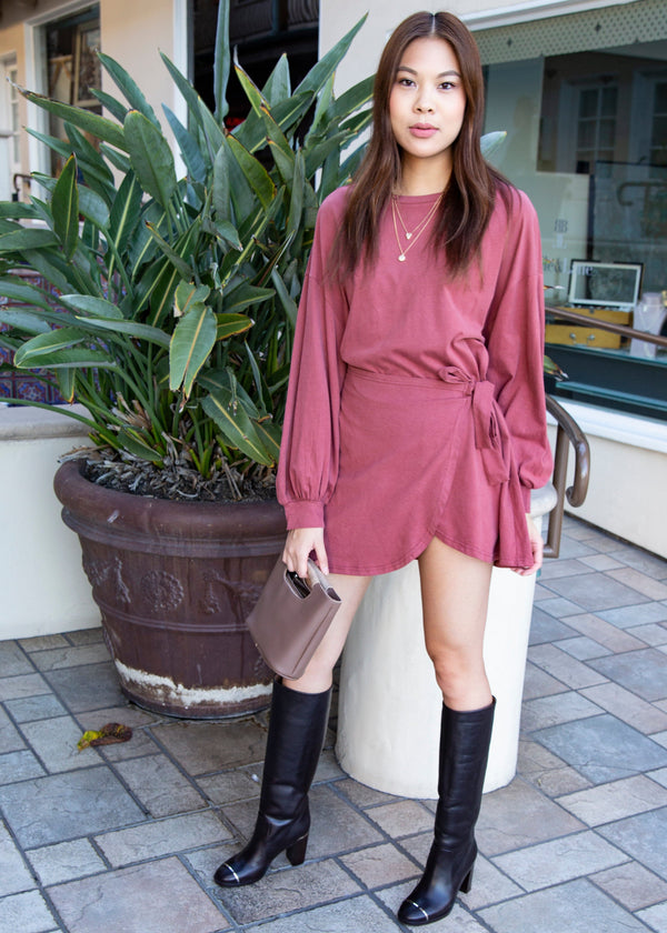 sweatshirt dress, sweater dress, comfy dress, comfortable dress, warm dress, statement sleeve dress