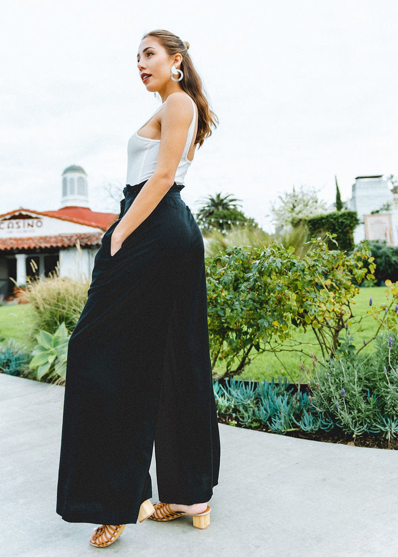 Wide Leg Exposed Button Pants- Black