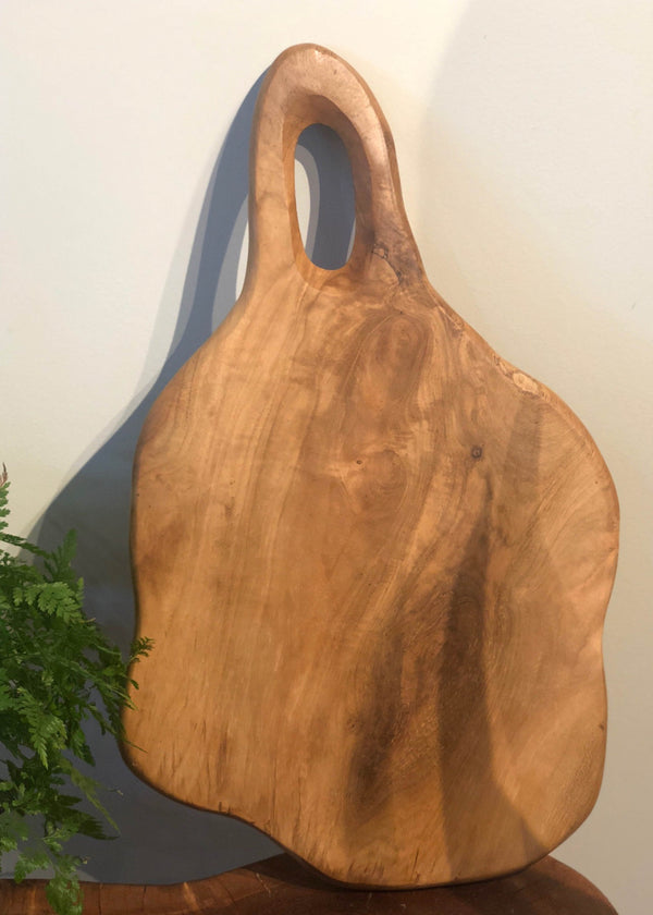 Live Edge Cutting Board - Medium - AMĒNAH