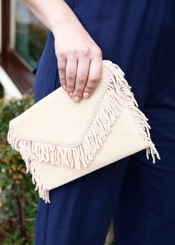 straw clutch, fringe edge clutch, summer clutch, clutch, crossbody straw bag, summer bag