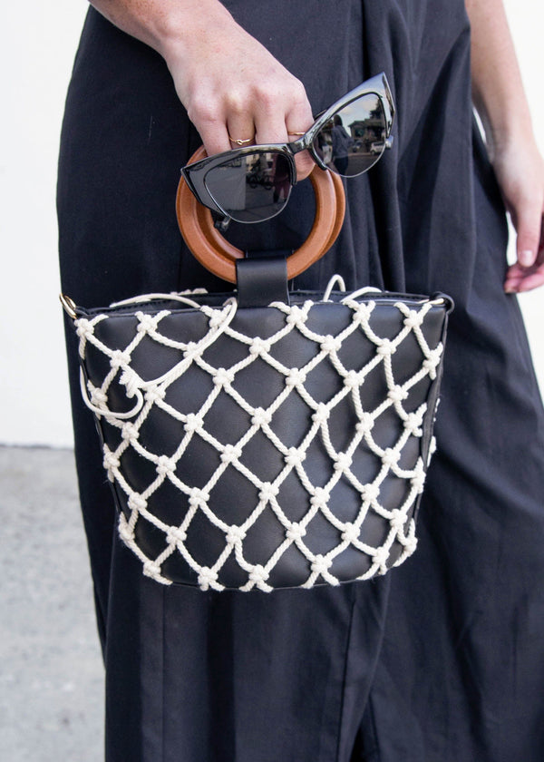 macrame bag, accessory trends, summer bag, crossbody bag, black macrame bag,