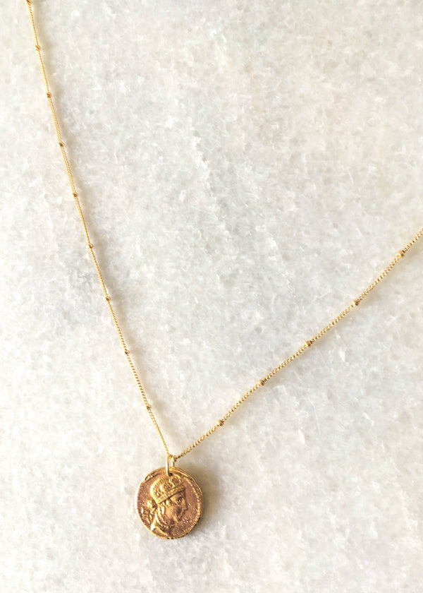 coin necklace, coin pendant necklace, roman coin necklace, dainty jewelry, minimal jewelry, minimalist jewelry, gold filled coin necklace, boho minimal jewelry, jewelry trends, accessory trends