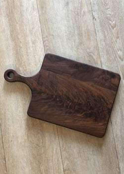 Walnut Cheese Board with Handle- Medium - AMĒNAH