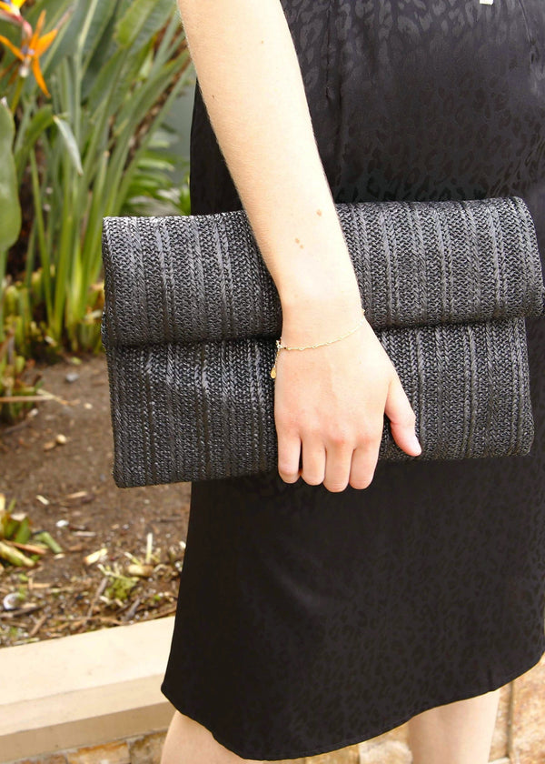 Fold Over Woven Straw Clutch - Black - AMĒNAH
