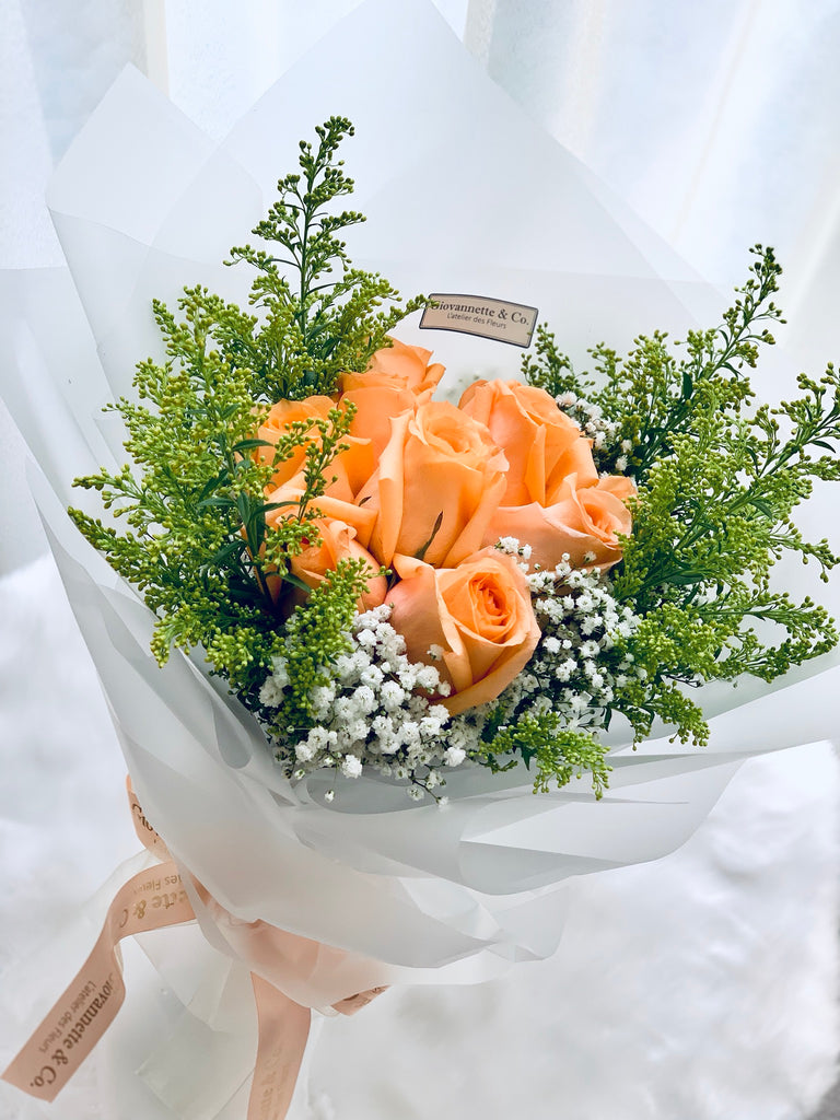 Champagne Rose Bouquet (10 stems)