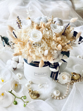 Everlasting White Delight Blooms Box (Preserved Flowers)