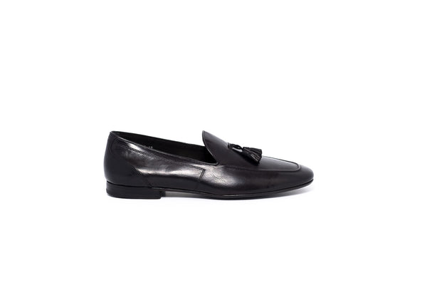 Pibe Black Slip on with Tassel