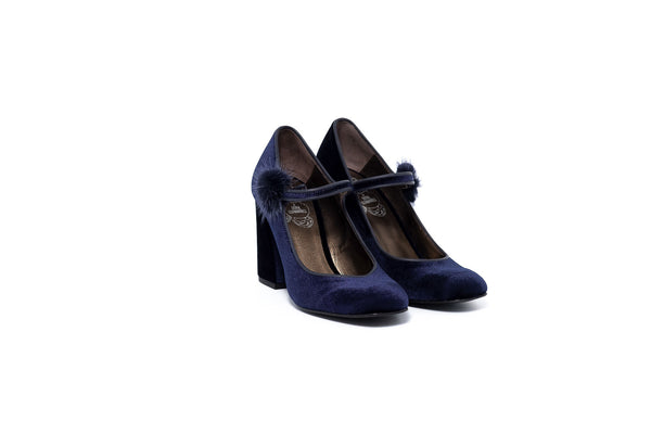 Antonieta Navy
