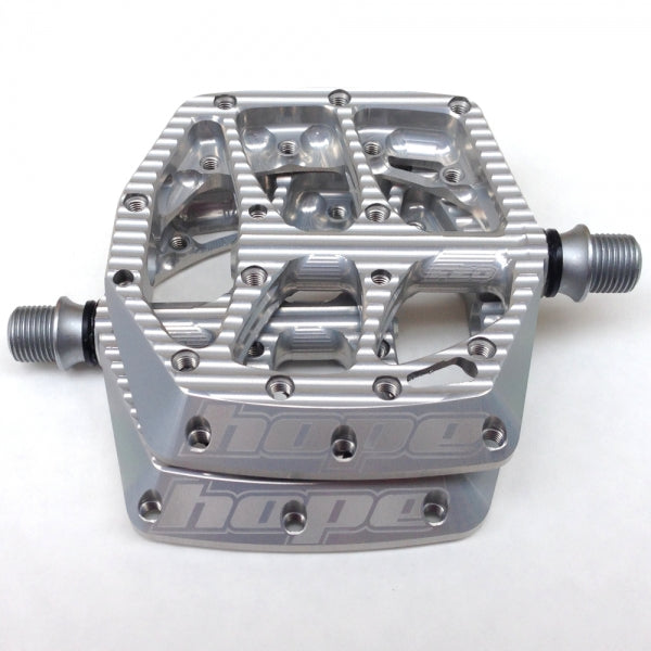 F20 PEDALS - PAIR - SILVER