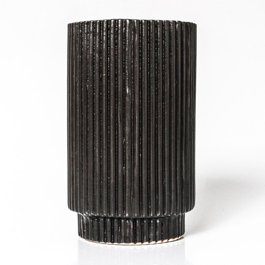 Stella vase in black