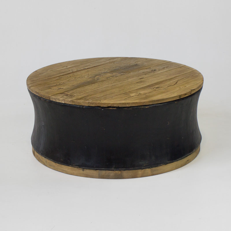 Beach large round coffee table in black