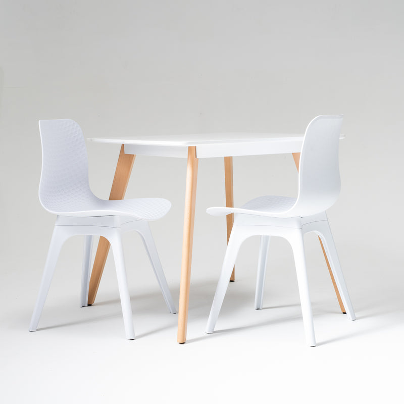 Square dining table in white
