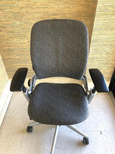 Pre-Owned Steelcase Leap V2 Office Chair