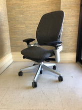 Load image into Gallery viewer, Pre-Owned Steelcase Leap V2 Office Chair