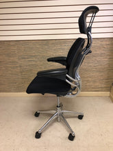Load image into Gallery viewer, Pre-Owned Polished Aluminum Humanscale Freedom Executive Chair with Headrest