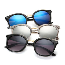 Load image into Gallery viewer, Classic Matte Tortoise Horn Rimmed Dark Lens 80s Style Sunglasses - Mix Colors