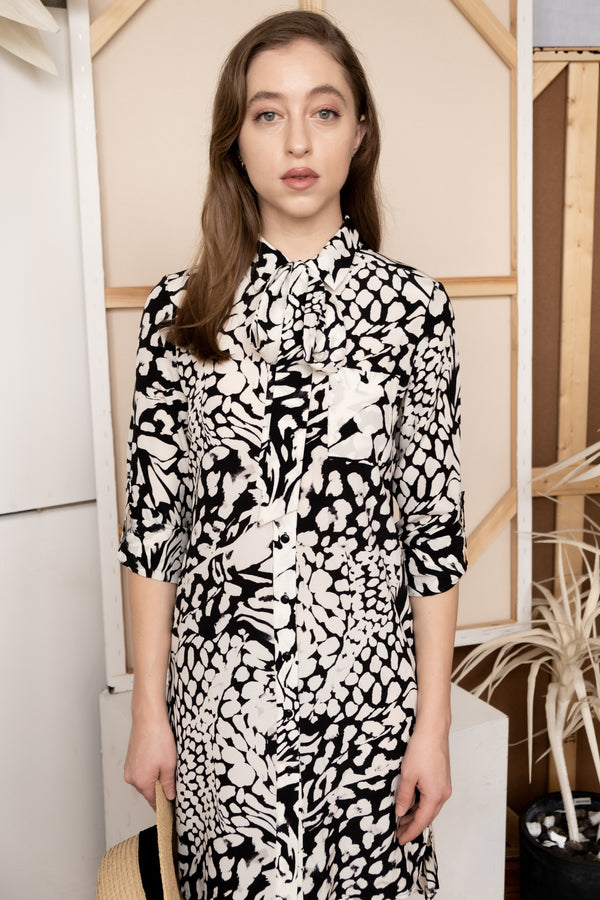 Diane Von Furstenberg Black and WhitePrinted-Silk Shirt Dress