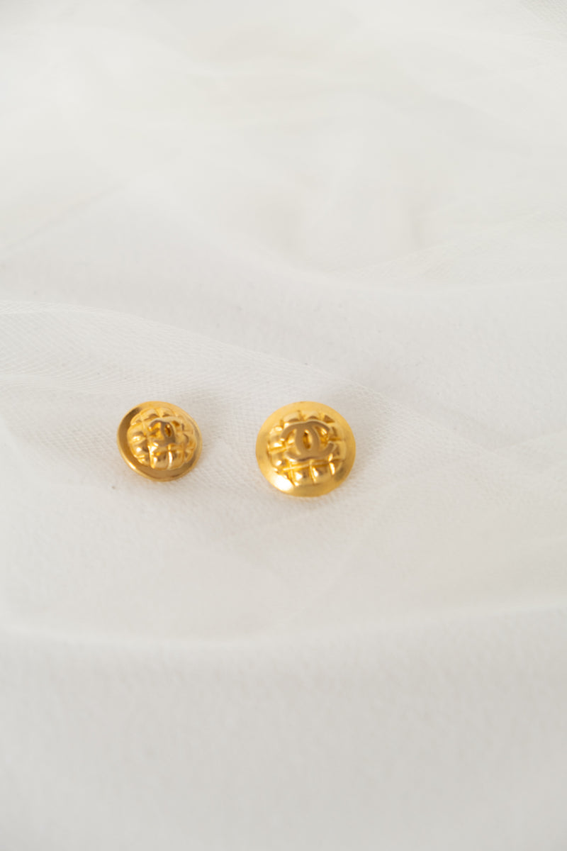 Chanel, Set of 2 Vintage Quilted CC Logo Buttons