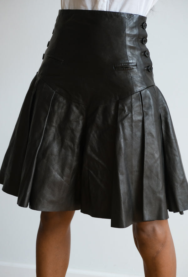 Alexander McQueen Leather Pleated Shorts | New with tags (est. retail $4,450)