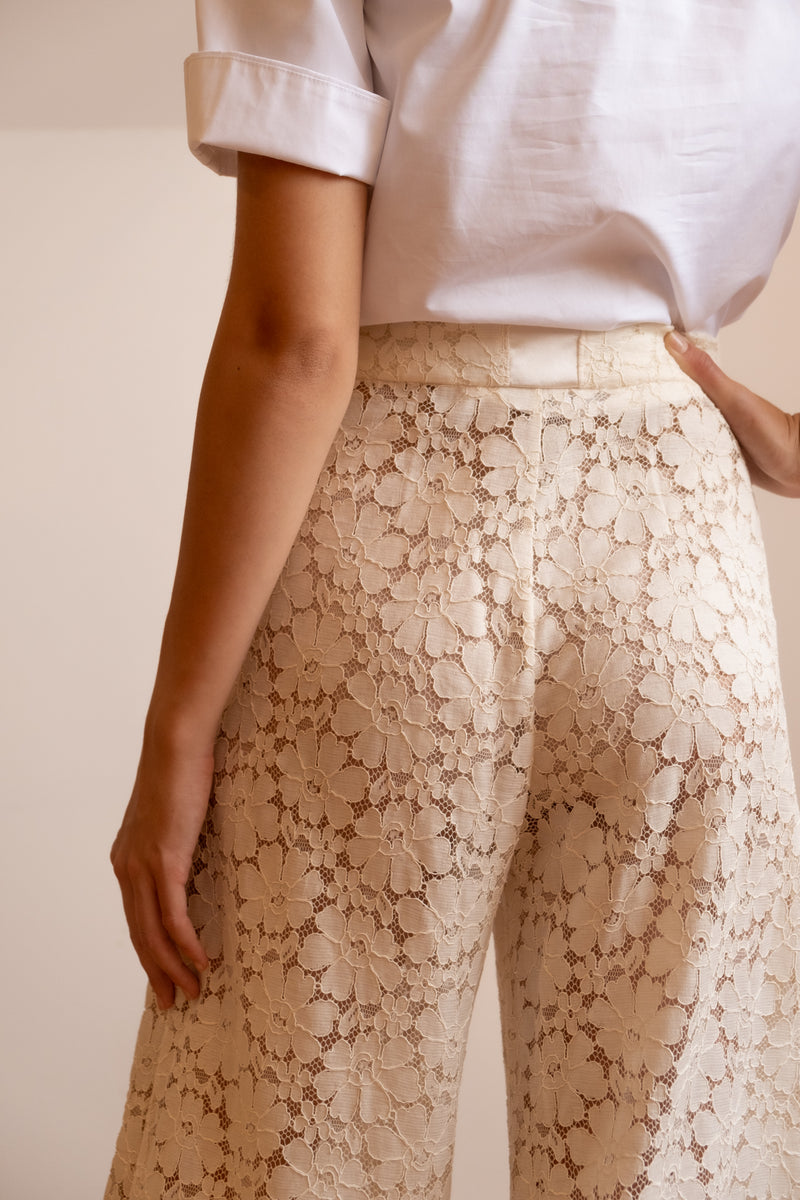 Chanel Ivory Lace Cropped Pant | Resort 2016 Collection