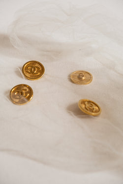 Chanel, Set of 4 Vintage Gold buttons