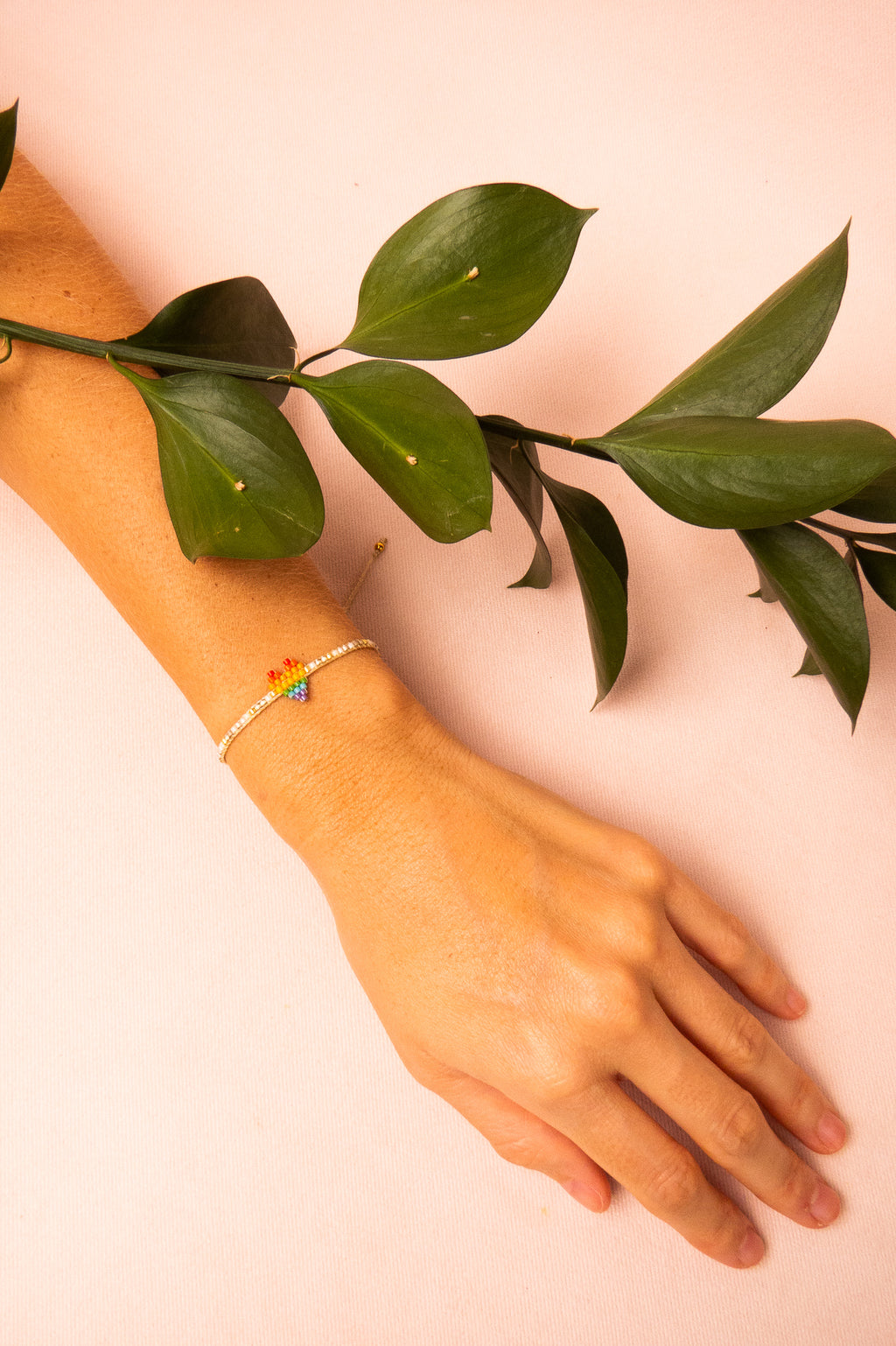 Pulsera Rainbow Heartsy Row | MISHKY