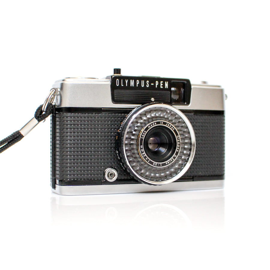 OLYMPUS Pen EE-3 Point and Shoot Film Camera