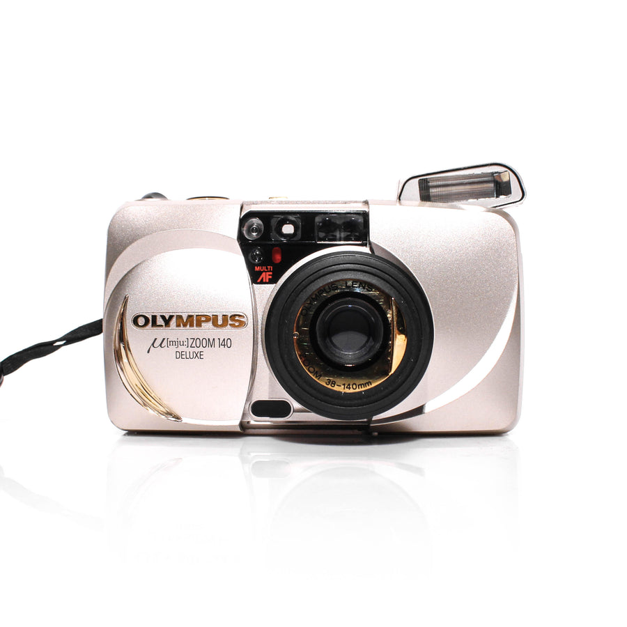 OLYMPUS µ[Mju:] Stylus Zoom 140 Deluxe 38-140mm Point and Shoot Film Camera