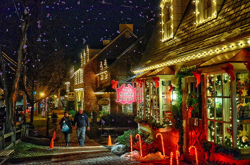 The Magic of the Season Sparkles at Peddlers Village