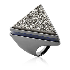 MD538 - TRIANGLE RING - ICONIC - RPV International Trading LLC